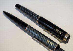 Kugelschreiber, die Renner unter den Werbeartikeln, werden im Siebdruck- und Tampondruckverfahren bedruckt