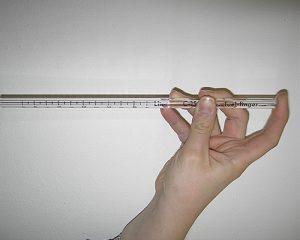 Im Siebdruckverfahren bedrucktes Glasröhrchen als Messinstrument von Flüssigkeiten