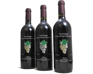 Im Siebdruckverfahren direkt bedruckte Weinflasche